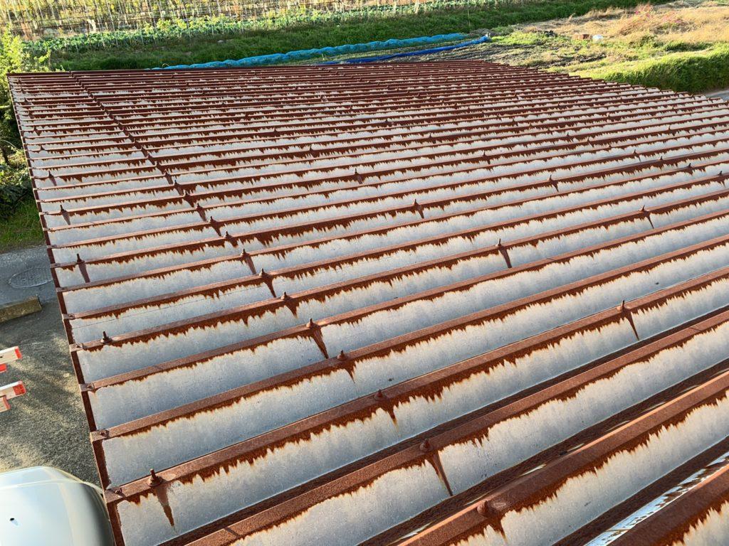 折半屋根サビ1